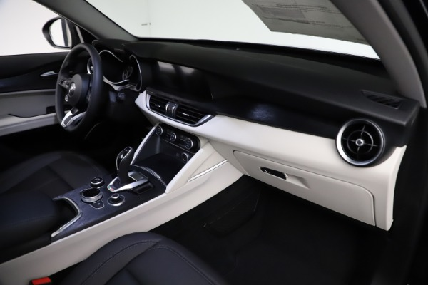 New 2021 Alfa Romeo Stelvio Q4 for sale $50,245 at Rolls-Royce Motor Cars Greenwich in Greenwich CT 06830 22