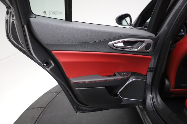 New 2021 Alfa Romeo Giulia Ti Sport for sale $54,050 at Rolls-Royce Motor Cars Greenwich in Greenwich CT 06830 20