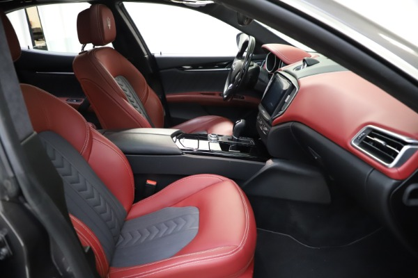Used 2018 Maserati Ghibli SQ4 GranLusso for sale $55,900 at Rolls-Royce Motor Cars Greenwich in Greenwich CT 06830 17