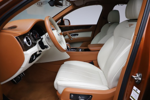 Used 2018 Bentley Bentayga Onyx Edition for sale $149,900 at Rolls-Royce Motor Cars Greenwich in Greenwich CT 06830 18