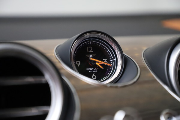 Used 2018 Bentley Bentayga Onyx Edition for sale $149,900 at Rolls-Royce Motor Cars Greenwich in Greenwich CT 06830 24