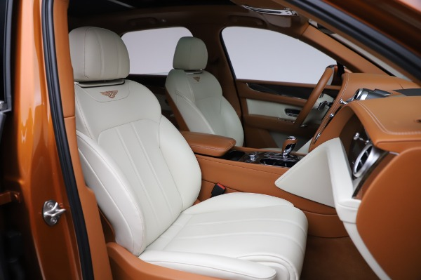 Used 2018 Bentley Bentayga Onyx Edition for sale $149,900 at Rolls-Royce Motor Cars Greenwich in Greenwich CT 06830 27