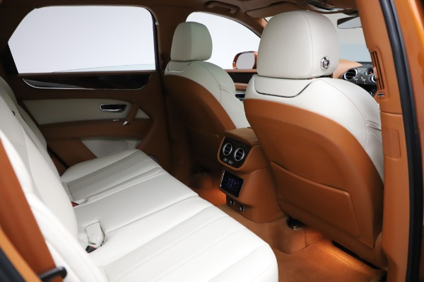 Used 2018 Bentley Bentayga Onyx Edition for sale $149,900 at Rolls-Royce Motor Cars Greenwich in Greenwich CT 06830 28