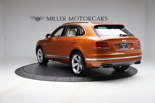 Used 2018 Bentley Bentayga Onyx Edition for sale $149,900 at Rolls-Royce Motor Cars Greenwich in Greenwich CT 06830 5