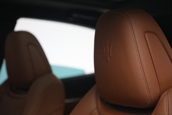 New 2021 Maserati Levante S Q4 GranSport for sale Call for price at Rolls-Royce Motor Cars Greenwich in Greenwich CT 06830 18