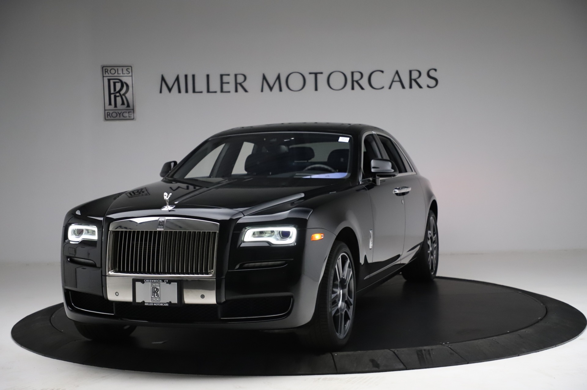 Used 2017 Rolls-Royce Ghost for sale $209,900 at Rolls-Royce Motor Cars Greenwich in Greenwich CT 06830 1