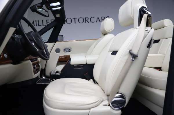 Used 2009 Rolls-Royce Phantom Drophead Coupe for sale $225,900 at Rolls-Royce Motor Cars Greenwich in Greenwich CT 06830 21