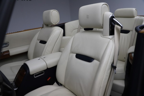 Used 2009 Rolls-Royce Phantom Drophead Coupe for sale $225,900 at Rolls-Royce Motor Cars Greenwich in Greenwich CT 06830 22