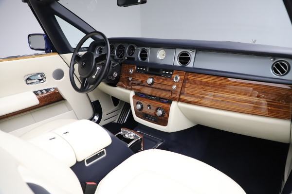 Used 2009 Rolls-Royce Phantom Drophead Coupe for sale $225,900 at Rolls-Royce Motor Cars Greenwich in Greenwich CT 06830 24