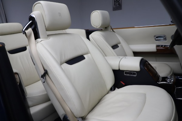 Used 2009 Rolls-Royce Phantom Drophead Coupe for sale $225,900 at Rolls-Royce Motor Cars Greenwich in Greenwich CT 06830 26