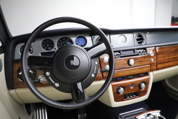 Used 2009 Rolls-Royce Phantom Drophead Coupe for sale $225,900 at Rolls-Royce Motor Cars Greenwich in Greenwich CT 06830 27