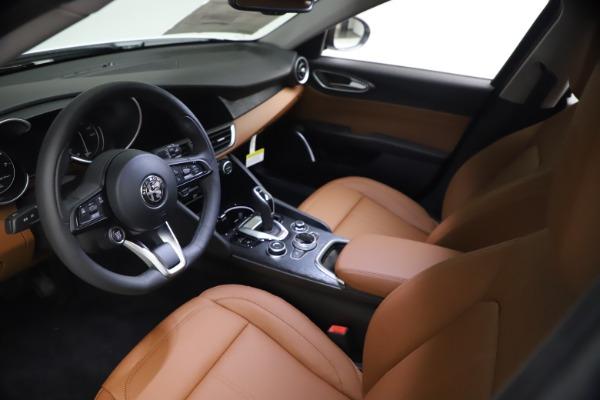 New 2021 Alfa Romeo Giulia Q4 for sale $48,535 at Rolls-Royce Motor Cars Greenwich in Greenwich CT 06830 14