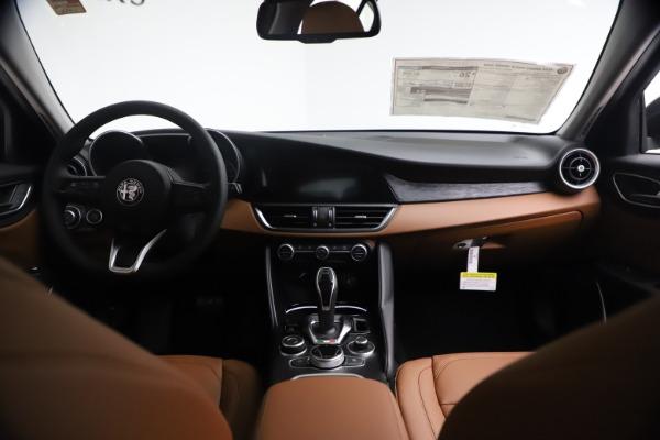 New 2021 Alfa Romeo Giulia Q4 for sale $48,535 at Rolls-Royce Motor Cars Greenwich in Greenwich CT 06830 17
