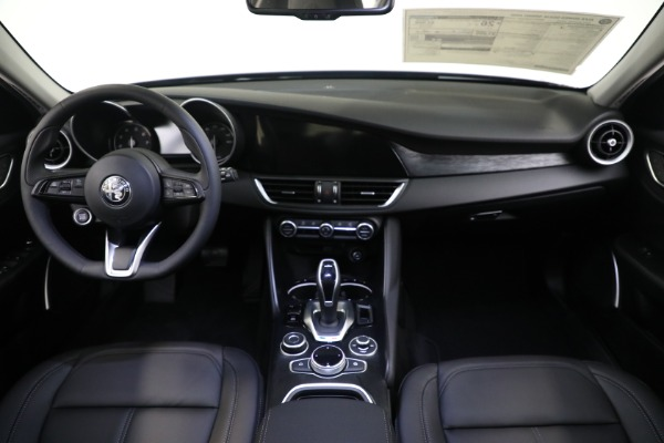 New 2021 Alfa Romeo Giulia Q4 for sale $48,535 at Rolls-Royce Motor Cars Greenwich in Greenwich CT 06830 21