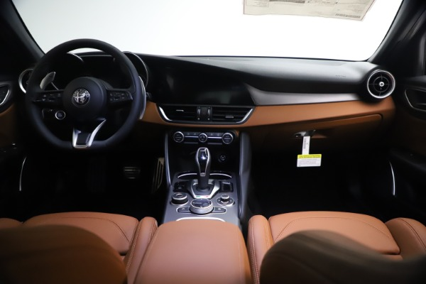 New 2021 Alfa Romeo Giulia Ti Sport Q4 for sale $54,050 at Rolls-Royce Motor Cars Greenwich in Greenwich CT 06830 16