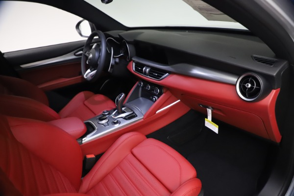 New 2021 Alfa Romeo Stelvio Ti Sport Q4 for sale $57,200 at Rolls-Royce Motor Cars Greenwich in Greenwich CT 06830 21