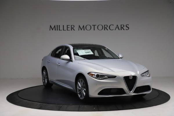 New 2021 Alfa Romeo Giulia Q4 for sale $48,245 at Rolls-Royce Motor Cars Greenwich in Greenwich CT 06830 12
