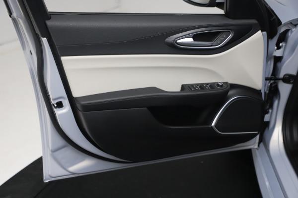 New 2021 Alfa Romeo Giulia Q4 for sale $48,245 at Rolls-Royce Motor Cars Greenwich in Greenwich CT 06830 17