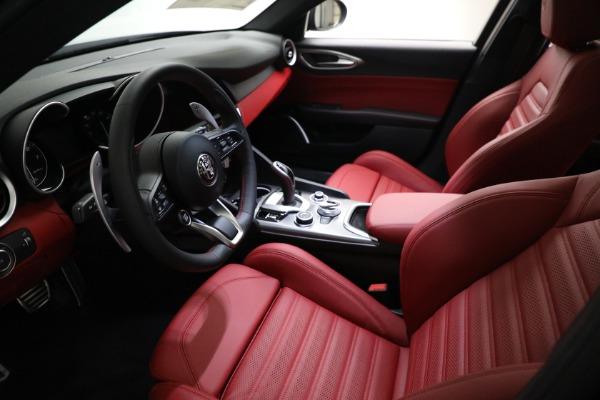 New 2021 Alfa Romeo Giulia Ti Sport Q4 for sale $54,050 at Rolls-Royce Motor Cars Greenwich in Greenwich CT 06830 13
