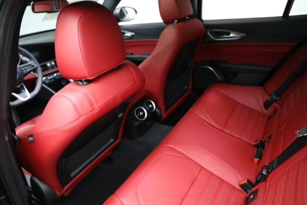 New 2021 Alfa Romeo Giulia Ti Sport Q4 for sale $54,050 at Rolls-Royce Motor Cars Greenwich in Greenwich CT 06830 17