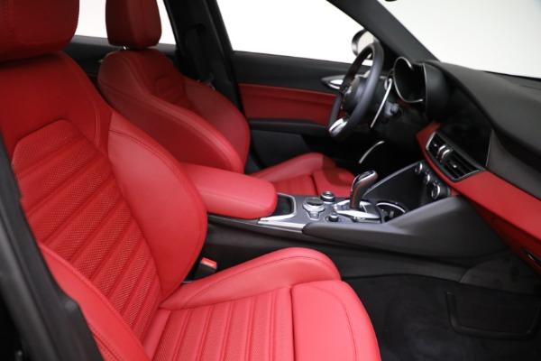 New 2021 Alfa Romeo Giulia Ti Sport Q4 for sale $54,050 at Rolls-Royce Motor Cars Greenwich in Greenwich CT 06830 21