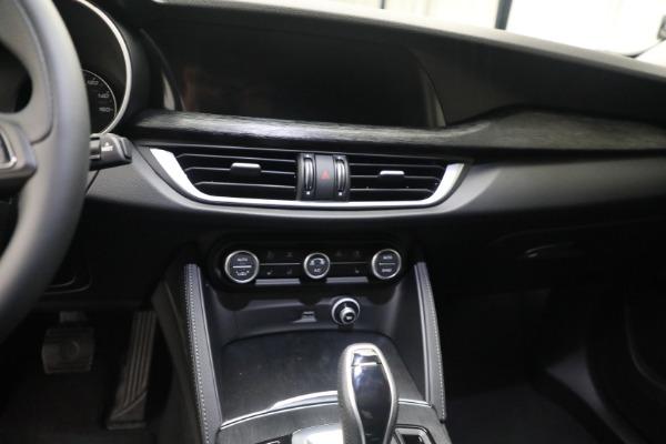 New 2021 Alfa Romeo Stelvio Q4 for sale $50,445 at Rolls-Royce Motor Cars Greenwich in Greenwich CT 06830 18
