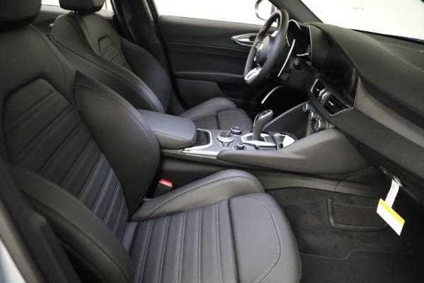 New 2021 Alfa Romeo Giulia Ti Sport Q4 for sale $53,050 at Rolls-Royce Motor Cars Greenwich in Greenwich CT 06830 19
