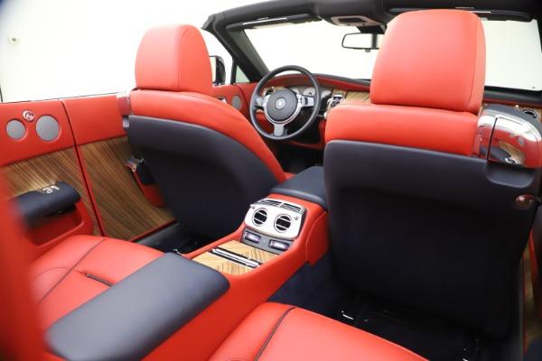 Used 2016 Rolls-Royce Dawn for sale $269,900 at Rolls-Royce Motor Cars Greenwich in Greenwich CT 06830 25