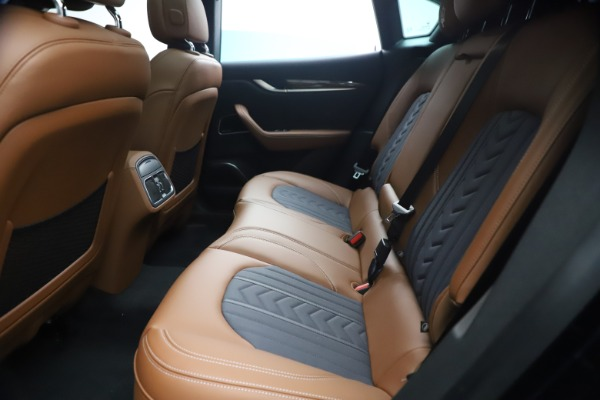 New 2021 Maserati Levante Q4 GranLusso for sale $93,385 at Rolls-Royce Motor Cars Greenwich in Greenwich CT 06830 18