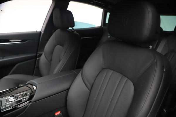New 2021 Maserati Levante Q4 for sale Sold at Rolls-Royce Motor Cars Greenwich in Greenwich CT 06830 15
