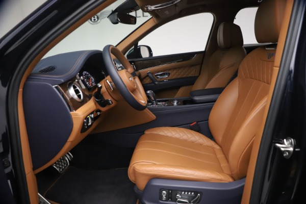 Used 2018 Bentley Bentayga W12 Signature for sale $149,900 at Rolls-Royce Motor Cars Greenwich in Greenwich CT 06830 18
