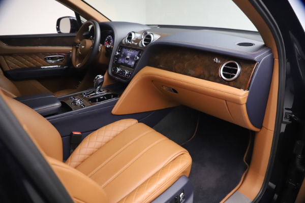 Used 2018 Bentley Bentayga W12 Signature for sale $149,900 at Rolls-Royce Motor Cars Greenwich in Greenwich CT 06830 25