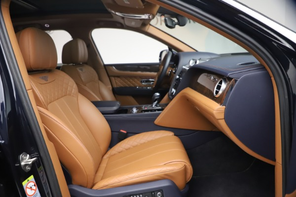 Used 2018 Bentley Bentayga W12 Signature for sale $149,900 at Rolls-Royce Motor Cars Greenwich in Greenwich CT 06830 26