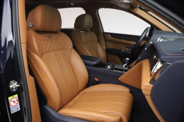 Used 2018 Bentley Bentayga W12 Signature for sale $149,900 at Rolls-Royce Motor Cars Greenwich in Greenwich CT 06830 27