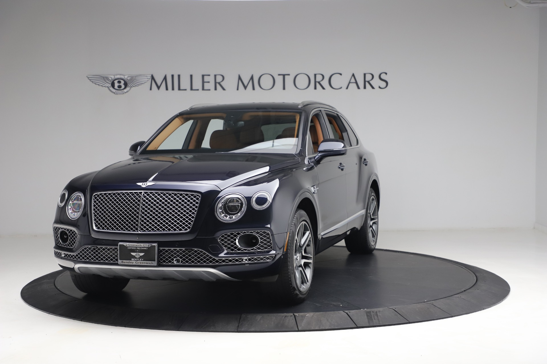 Used 2018 Bentley Bentayga W12 Signature for sale $149,900 at Rolls-Royce Motor Cars Greenwich in Greenwich CT 06830 1