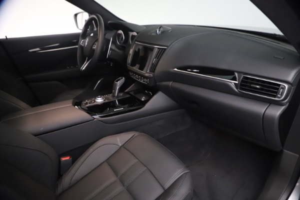 New 2021 Maserati Levante GranSport for sale $73,900 at Rolls-Royce Motor Cars Greenwich in Greenwich CT 06830 22