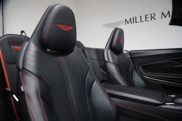 Used 2019 Aston Martin DB11 Volante for sale $209,900 at Rolls-Royce Motor Cars Greenwich in Greenwich CT 06830 25