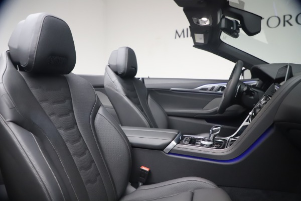 Used 2019 BMW 8 Series M850i xDrive for sale Sold at Rolls-Royce Motor Cars Greenwich in Greenwich CT 06830 28