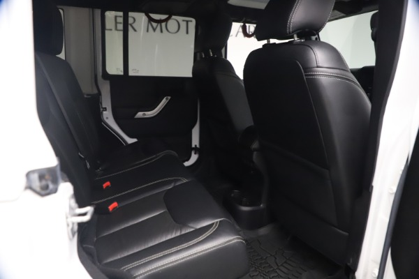 Used 2015 Jeep Wrangler Unlimited Rubicon Hard Rock for sale $39,900 at Rolls-Royce Motor Cars Greenwich in Greenwich CT 06830 21