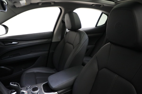 New 2021 Alfa Romeo Stelvio Ti Q4 for sale $50,505 at Rolls-Royce Motor Cars Greenwich in Greenwich CT 06830 15