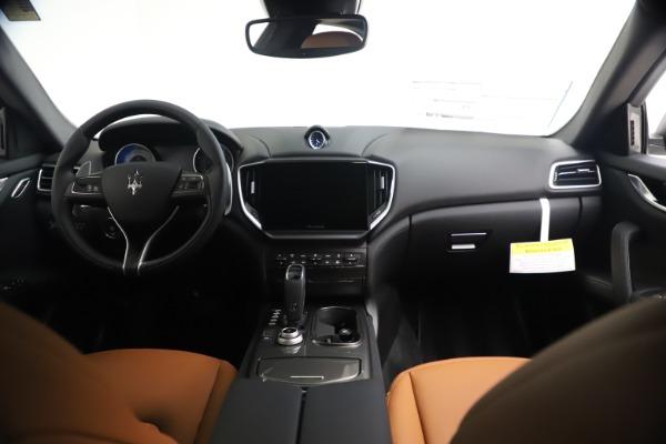 New 2021 Maserati Ghibli SQ4 for sale $85,804 at Rolls-Royce Motor Cars Greenwich in Greenwich CT 06830 17