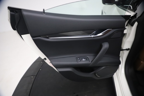 New 2021 Maserati Ghibli SQ4 for sale $85,804 at Rolls-Royce Motor Cars Greenwich in Greenwich CT 06830 22