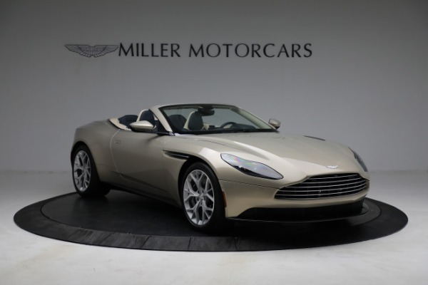 Used 2019 Aston Martin DB11 Volante for sale $209,900 at Rolls-Royce Motor Cars Greenwich in Greenwich CT 06830 10