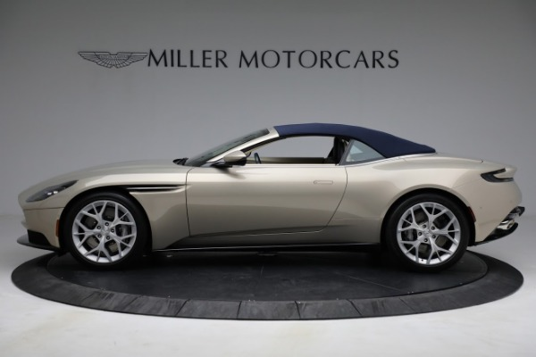 Used 2019 Aston Martin DB11 Volante for sale $209,900 at Rolls-Royce Motor Cars Greenwich in Greenwich CT 06830 26