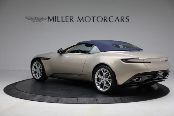 Used 2019 Aston Martin DB11 Volante for sale $209,900 at Rolls-Royce Motor Cars Greenwich in Greenwich CT 06830 27