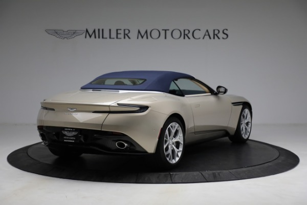 Used 2019 Aston Martin DB11 Volante for sale $209,900 at Rolls-Royce Motor Cars Greenwich in Greenwich CT 06830 28