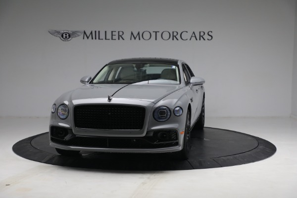 New 2022 Bentley Flying Spur Flying Spur V8 for sale Call for price at Rolls-Royce Motor Cars Greenwich in Greenwich CT 06830 2