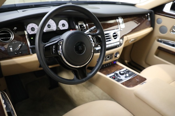 Used 2011 Rolls-Royce Ghost for sale Call for price at Rolls-Royce Motor Cars Greenwich in Greenwich CT 06830 12