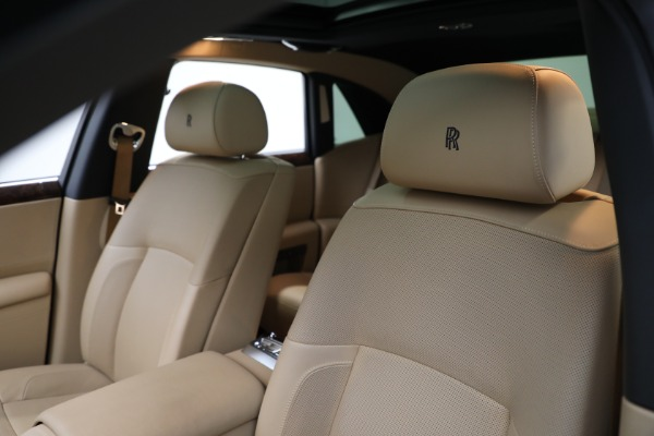 Used 2011 Rolls-Royce Ghost for sale Call for price at Rolls-Royce Motor Cars Greenwich in Greenwich CT 06830 14