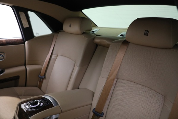Used 2011 Rolls-Royce Ghost for sale Call for price at Rolls-Royce Motor Cars Greenwich in Greenwich CT 06830 16